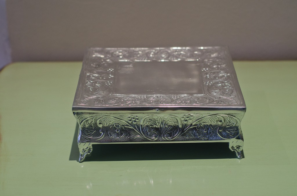 S29-M square cake stand